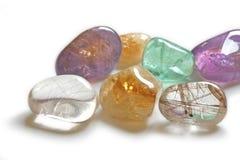Chiuda su dei cristalli curativi Immagine Stock