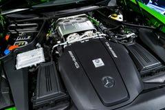 Chiuda su dei dettagli GTR 2018 di esterno del motore AMG V8 Bi-turbo di Mercedes-Benz Motore handcrafted potente fotografia stock