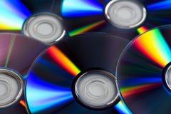 Chiuda su dei dischi presentati sulla tavola Fotografia Stock