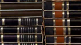 Chiuda su dei libri neri della pila mucchio vecchio Fotografie Stock