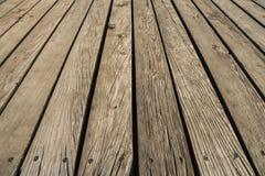 Chiuda su del decking composito Priorit? bassa di legno delle plance Parete del legno duro del legname Fuoco selettivo fotografia stock