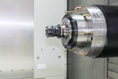 Chiuda su del fuso orizzontale della macchina di CNC Fotografie Stock Libere da Diritti