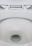 Chiuda su del lavabo sporco immagini stock