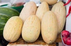 Chiuda su del melone al mercato degli agricoltori della via Fotografie Stock Libere da Diritti