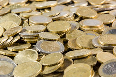 Chiuda su del mucchio delle monete degli euro Fotografia Stock