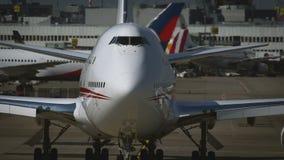 Chiuda su del naso del Jumbo-jet video d archivio
