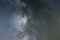 Chiuda su dell'esposizione lunga della galassia della Via Lattea fotografie stock