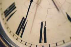Chiuda su dell'orologio d'annata Fotografia Stock Libera da Diritti