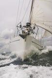 Chiuda su della barca a vela o dell'yacht in mare Fotografia Stock Libera da Diritti