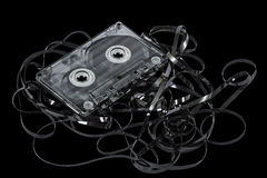 Chiuda su della cassetta di cassetta audio d'annata, isolato sul nero, con Fotografie Stock Libere da Diritti