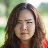 Chiuda su della donna grassa arrabbiata Fotografia Stock