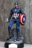 Chiuda su della figura azione di superheros di capitano America Civil War fotografia stock libera da diritti