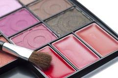Chiuda in su della gamma di colori cosmetica Fotografie Stock