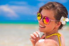 Spiaggia In Capelli Sulla Dai Donna Lunghi Tropicale Bikini SxAq8nYtw
