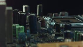 Chiuda su della scheda madre del computer stock footage