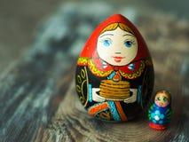 Chiuda su delle bambole tradizionali russe Fotografie Stock Libere da Diritti