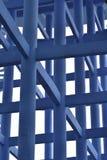 Chiuda su delle colonne e delle travi del serbatoio dell'acqua Elevated Immagini Stock
