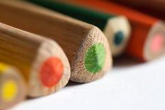 Chiuda in su delle matite colorate Fotografia Stock