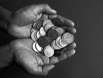 Chiuda in su delle monete internazionali Immagini Stock