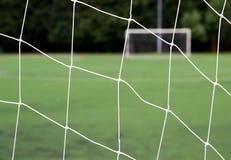 Chiuda su dello scopo di calcio fotografia stock