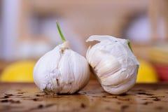 Chiuda su di aglio rustico Immagini Stock