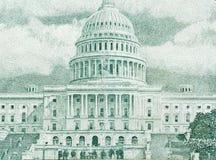 Chiuda su di 100 dollari di fattura nella valuta degli Stati Uniti Fotografia Stock Libera da Diritti