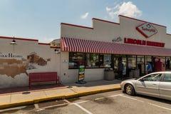 Chiuda su di Lincoln Highway Turkey Hill Mart immagini stock libere da diritti