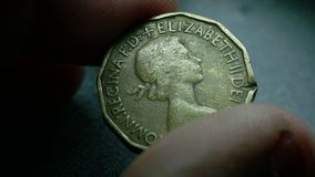Chiuda su di monete molto vecchie archivi video