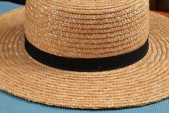 Chiuda su di Straw Farm Hat Fotografia Stock
