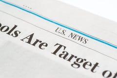 Chiuda su di un modulo e di una penna di imposta degli Stati Uniti pronti a firmare l'impronta S le notizie sezionano dell'uso ed Immagine Stock Libera da Diritti