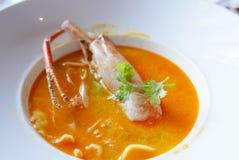 Chiuda su di un piatto tailandese asiatico del gamberetto Fotografia Stock