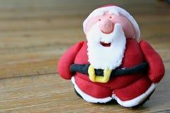 Chiuda su di una casa resa al padre Christmas del sugarcraft, o a Santa Cl Fotografia Stock Libera da Diritti