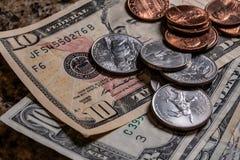 Chiuda su di valuta degli Stati Uniti immagini stock libere da diritti