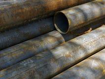 Chiuda su di vecchi tubi arrugginiti Fotografia Stock Libera da Diritti