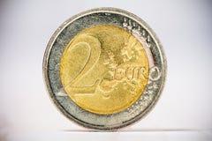 Chiuda su di vecchia moneta dell'euro 2 Fotografie Stock