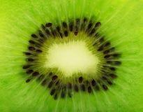 Chiuda su Kiwi Texture, Kiwi Fruit con l'obiettivo macro Centro di Tra Fotografia Stock Libera da Diritti