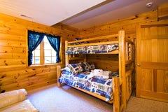 Chiuda in su su una camera da letto in una cabina Fotografie Stock Libere da Diritti