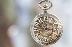 Chiuda su sull'orologio da tasca d'annata Fotografia Stock Libera da Diritti