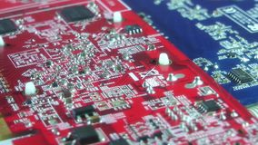 Chiuda sui componenti elettronici del computer video d archivio