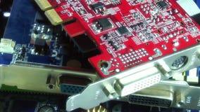 Chiuda sui componenti elettronici del computer stock footage