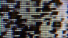 Chiuda sul colpo dello schermo del TV al plasma, l'orologio TV stock footage