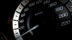 Chiuda sul colpo di un metro di velocità in un'automobile Fotografie Stock