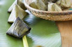 Chiuda sul dessert asiatico sulla foglia della banana Immagine Stock Libera da Diritti