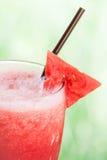 Chiuda sul frappe del succo di frutta dell'anguria Fotografie Stock Libere da Diritti