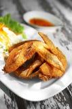 Chiuda sul pollo tailandese fritto immagini stock libere da diritti