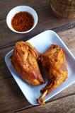 Chiuda sul pollo tailandese fritto immagine stock libera da diritti