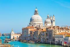 Chiuda sul punto di vista di Santa Maria della Salute a Venezia, Italia fotografia stock