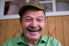 Chiuda sul ritratto dell'uomo maturo caucasico bello Fotografia Stock Libera da Diritti