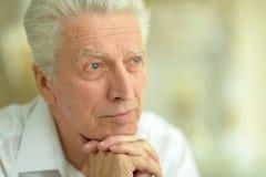 Chiuda sul ritratto di un uomo senior triste Immagine Stock Libera da Diritti