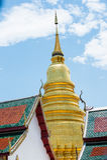 chiuda sulla pagoda di Wat Phra That Hariphunchai Fotografie Stock